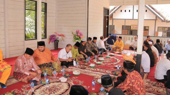 Tradisi Mandai Ulutaon di Rokan Hulu Riau