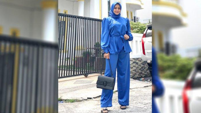 Viviana Hanifa, Dosen Cantik Asal Riau Terjun Ke Dunia Politik