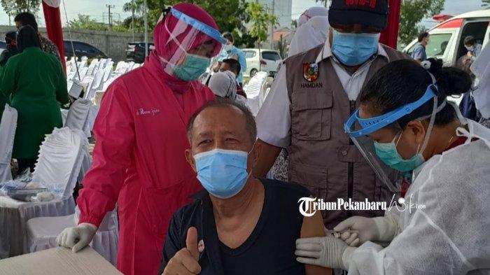 Dalam Sehari 500 Orang Jalani Vaksinasi di RSD Madani Pekanbaru