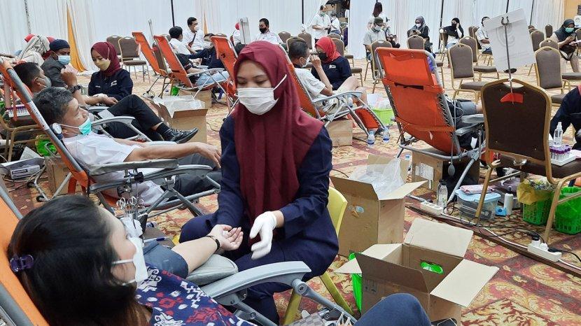 Masyarakat Pekanbaru Antusias Ikuti Kegiatan Donor Darah Relawan Peduli covid-19