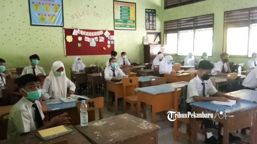 Guru dan Siswa Terpapar Covid-19, Dua SMP di Kuansing Ditutup Sementara
