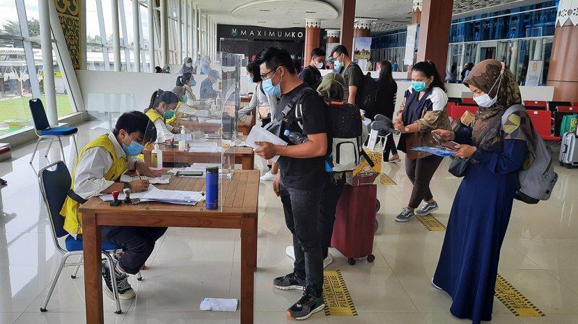 Hasil Rapid Antigen Covid-19 Reaktif, 23 Penumpang dari Jawa di Bandara SSK II Pekanbaru Diisolasi