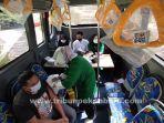 Bus-Vaksinasi-covid-19-keliling-di-halaman-Mesjid-Al-Falah-Jalan-Sumatera.jpg
