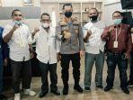 Ketua-IKDR-Inhil-H-Hasanuddin-serta-pengurus-bersama-Kapolres-Inhil-AKBP-Dian-Setyawan.jpg