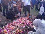 Pemakaman-Jenazah-Almarhum-Rivaie-Rachman-di-Taman-Makam-Pahlawan-Kusuma-Dharma-Pekanbaru.jpg