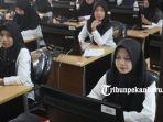 Sejumlah-Peserta-CPNS-sedang-bersiap-mengikuti-tes-di-UPT-Penilaian-Kompetensi-BKD-Riau.jpg