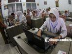 Siswa-SMAN-I-Pekanbaru-tengah-masa-persiapan-Ujian-Nasional-Berbasis-Komputer-UNBK-2018-lalu.jpg