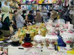 Toko-Penjualan-Tempat-Kue-di-Pasar-Wisata-Pasar-Bawah-Pekanbaru-Jelang-Hari-Raya-Idul-Fitri-2021.jpg