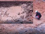 intensitas-semburan-lumpur-di-hari-ke-12-di-pesantren-al-ihsan-pekanbaru-senin-15-februari-2021.jpg