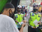 jumpai-masyarakat-polantas-di-pekanbaru-ingatkan-masyarakat-tidak-mudik.jpg