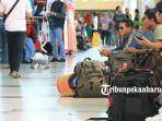 penumpang-bandara-sultan-syarif-khasim-ii-pekanbaru.jpg