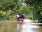 warga-kebanjiran-di-perumahan-graha-fauzan-pekanbaru-mengungsi.jpg<pf>seorang-bermain-di-genangan-banjir-di-perumahan-graha-fauzan-kota-pekanbaru.jpg<pf>suasana-banjir-di-perumahan-graha-fauzan.jpg<pf>bersepeda-digenangan-banjir-di-perumahan-graha-fauzan.jpg