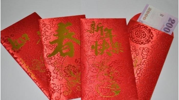Mengulik Tradisi Angpao, Amplop Merah Lambang Kegembiraan Saat Imlek