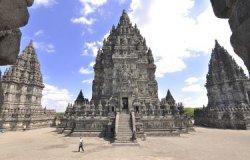 Ini Dia 5 Destinasi Wisata Indonesia yang Populer dengan Jejak Legenda
