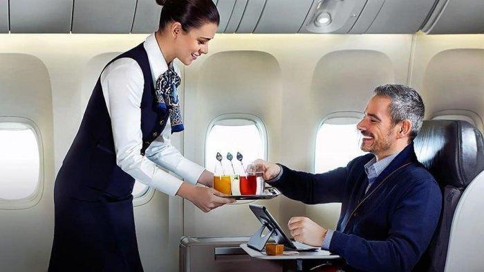 14 Fakta Unik Penerbangan, Tak Boleh Sembarangan Buka Pintu Darurat