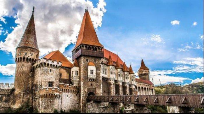 Kastel Bran atau Kastel Drakula di Transylvania, Rumania.