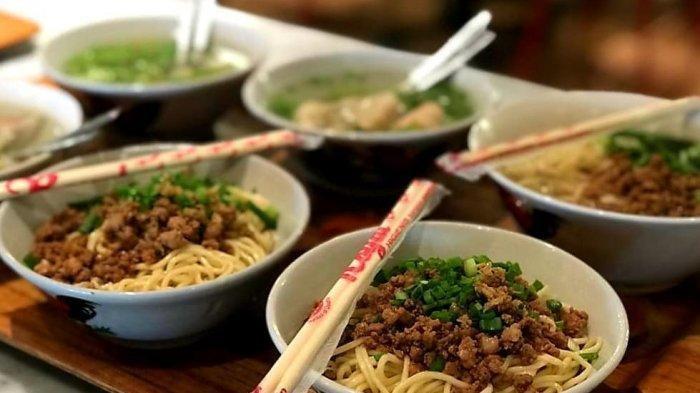 Kunjungi Mie Naripan, Kuliner Legendaris Khas Bandung yang Menggiurkan