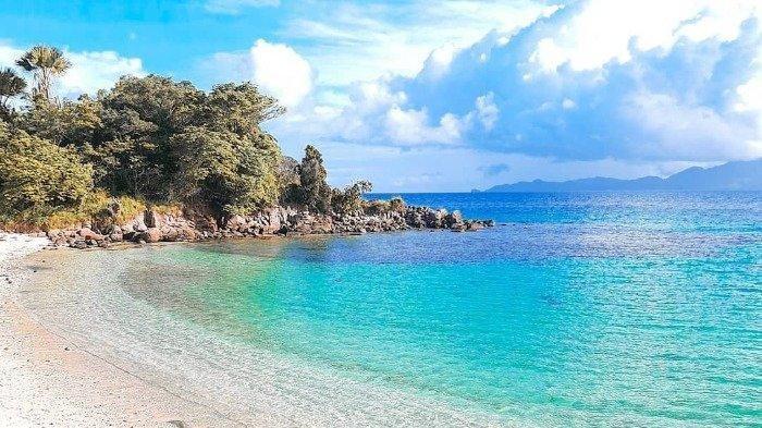 Selain Bunaken, Wajib Kunjungi Pulau Laga Destinasi Instagramable di Desa Nuangan