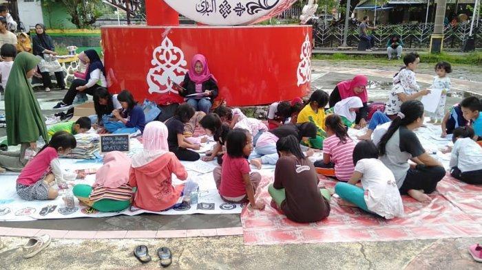 Komunitas Singkawang Membaca, Tumbuhkan Semangat Baca Pada Anak