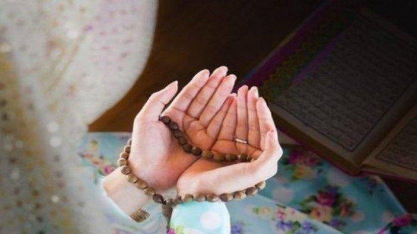 ilustrasi-perempuan-berdoa1.jpg