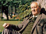 jrr-tolkien-pengarang-the-lord-of-the-rings.jpg