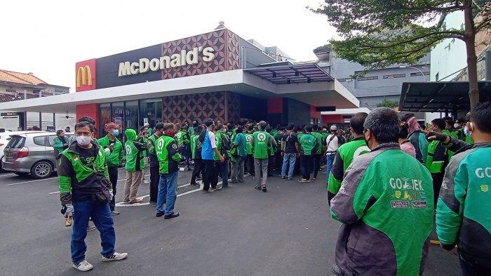 Promo BTS Meal McDonald's Bikin Ojol Berjubel & Antre Berjam-Jam, Layanan Drive Thru Sampai Ditutup