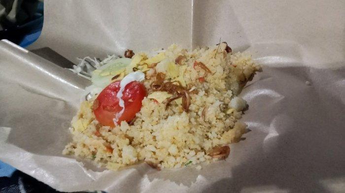 Mencoba Keunikan Rasa Kuliner Nasi Jagung Goreng di Sragen, Pembeli Sampai Rela Antri