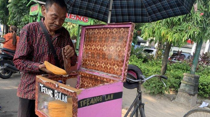 Cerita Penjual Kuliner Terang Bulan Tempo Dulu di Solo, Semangat Berjualan Meski Sudah 88 Tahun