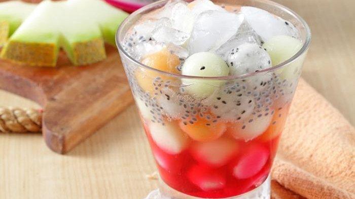 Resep Es Melon Sirop Merah, Minuman Segar Sederhana Dengan Tampilan yang Mewah