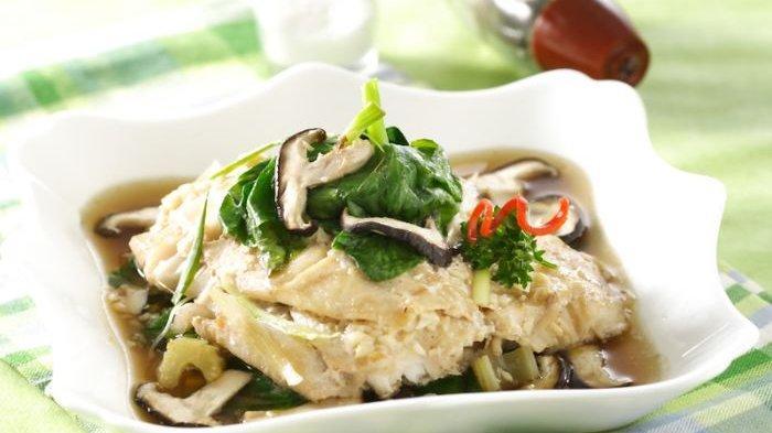Resep Ikan Tim Tomeo, Sajian Sedap Untuk Santap Siang