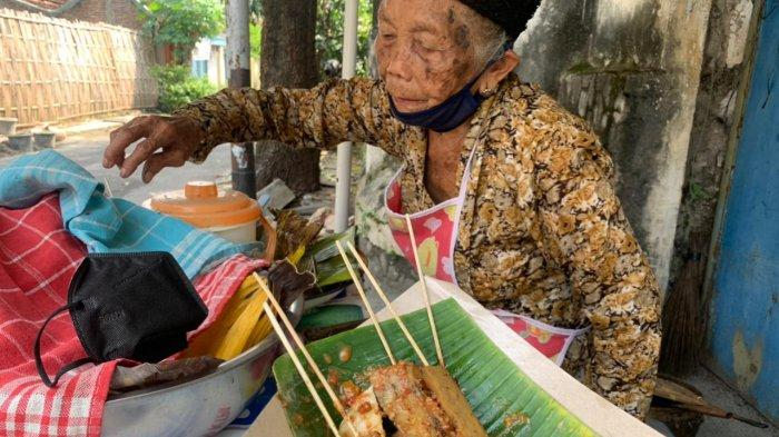 Kuliner Legendaris Sate Kere Mbah Yem di Solo, Sudah Berjualan Sejak 1956