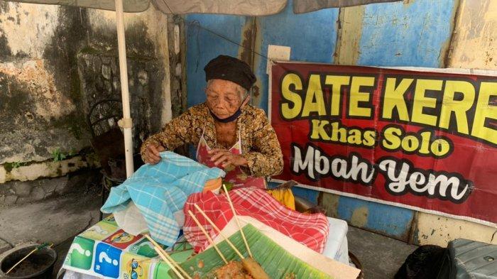 Semenjak Pandemi, Penjualan Sate Kere Mbah Yem di Solo Kini Merosot Tajam