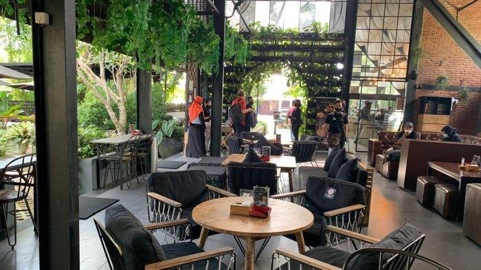 Cafe dan Garden EskalaYogyakarta, Tawarkan Ngopi Dengan Suasana Tropis, Cocok Untuk Bersantai
