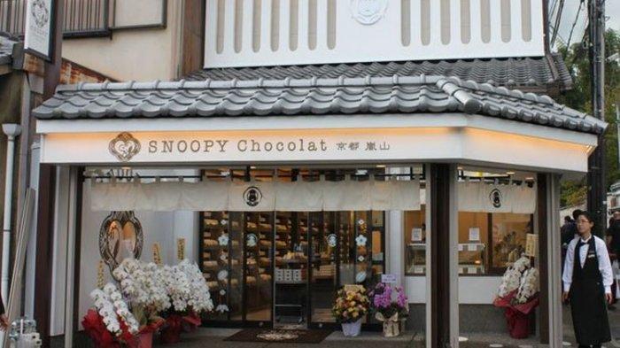 Kawaii! Toko Cokelat Yang Berada di Kyoto Jepang Ini Juga Jual Pernak Pernik Snoopy