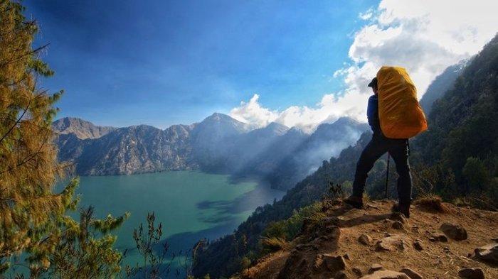 Lakukan Double Booking, Fiersa Besari Kini Blacklist TN Gunung Rinjani, Mengapa?