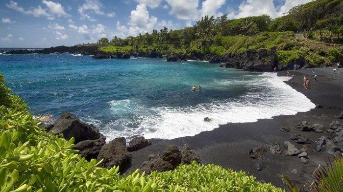 Hawaii Kini Mencabut Aturan Pakai Masker di Luar Ruangan