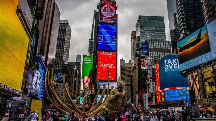New York Kini Izinkan Warganya yang Sudah Divaksinasi Lepas Masker