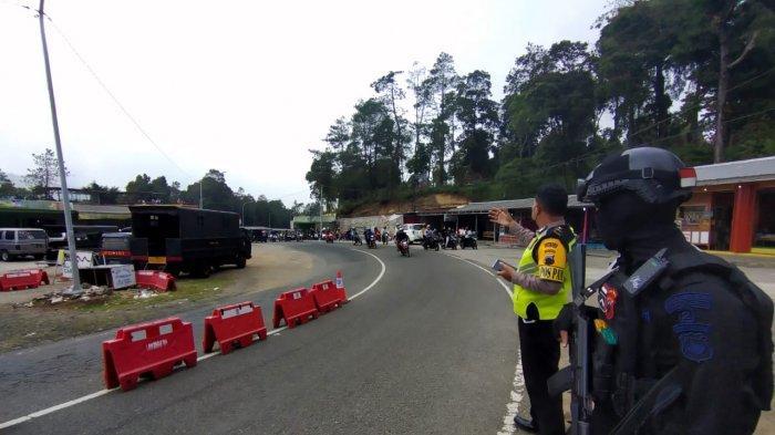 Banyak Kendaraan Luar Kota di Jalanan Tawangmangu, Berikut Penjelasan Kapospam Cemoro Kandang