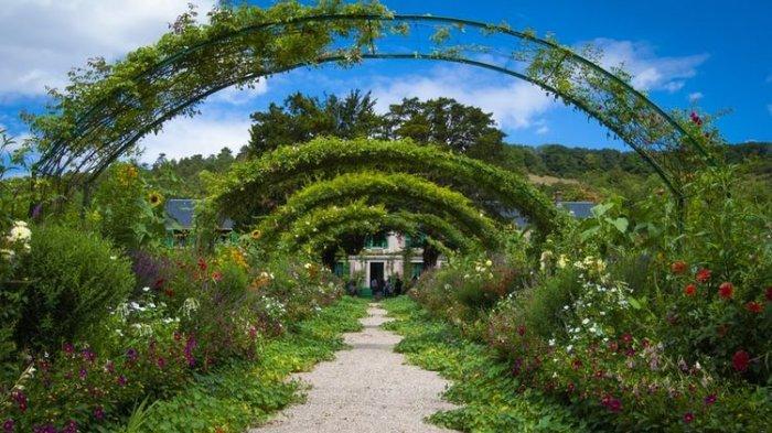 Taman Monet di Perancis Kini Dibuka Kembali untuk Wisatawan