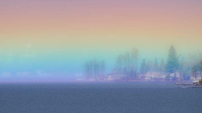 Menakjubkan! Fotografer Asal Amerika Tangkap Gambar Langka Pelangi Horizontal di Atas Danau