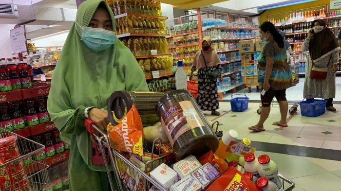 Jelang Ramadan 2021, Pembeli Borong Belanjaan di Sami Luwes, Agar Hemat Waktu Saat Puasa