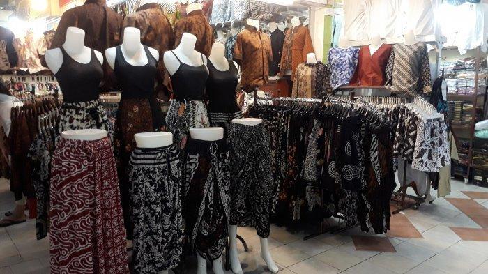 Pusat Grosir Solo, Salah Satu Wisata Belanja di Solo yang Tawarkan Ribuan Produk Batik