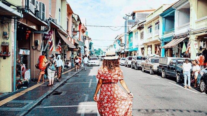 Kasus Covid-19 Meningkat di Phuket dan Jadi Zona Merah, Tetap Sambut Turis Asing?