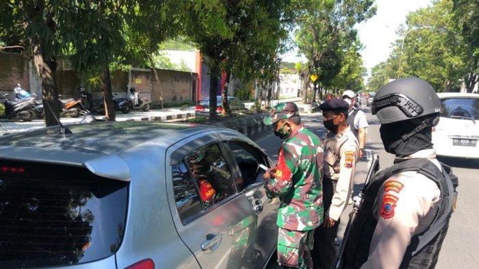 Dapat Tunjukkan Surat Jalan, 75 Kendaraan Dari Luar Kota Lolos Pemeriksaan di Tugu Makuto