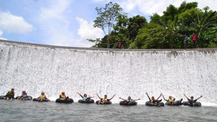 Dulunya Penuh Sampah, Kini Sungai Pusur Klaten Disulap Jadi Obyek Wisata River Tubing