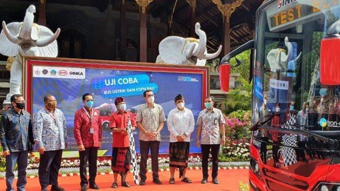 Kurangi Polusi Udara, Bali Lakukan Uji Coba Shuttle Bus Listrik ke Tempat Wisata