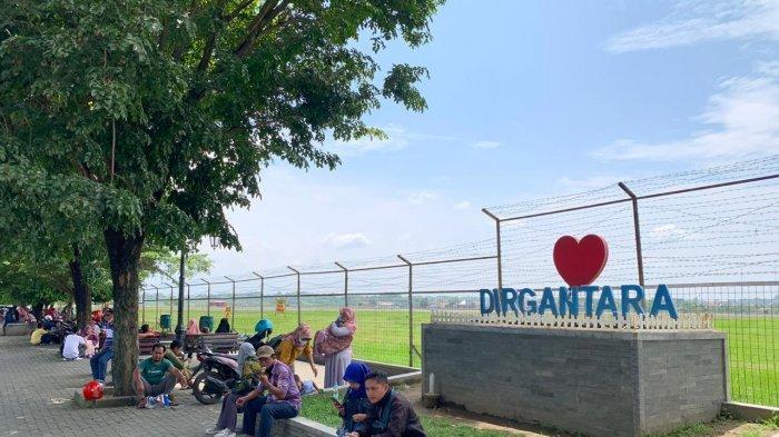 Menghabiskan Sore di Kawawan Bandara Adi Soemarmo Solo, Mulai Nongkrong Hingga Lihat Pesawat