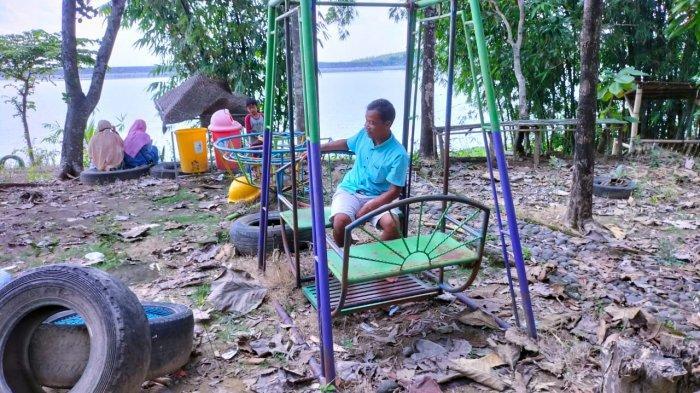 Kondisi spot foto di Desa Wisata Boyolayar, Sumberlawang, Sragen yang terbengkalai karena pandemi covid-19.