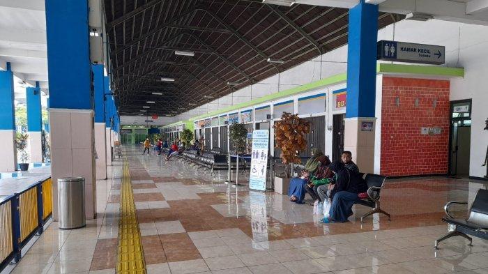 Pemerintah Larang Mudik, Penjual Tiket di Terminal Tipe A Ir Soekarno Klaten Menjerit