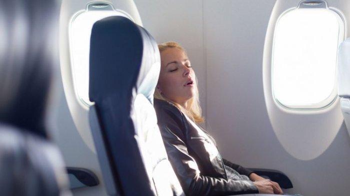 Kesulitan Tidur di Pesawat? Berikut 7 Cara Agar Mudah Memejamkan Mata Saat Perjalanan Jauh